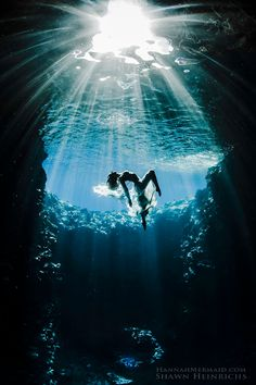 合成一切なし!クジラやサメと泳ぐ女性のアート写真が美しすぎる − ISUTA(イスタ)オシャレを発信するニュースサイト