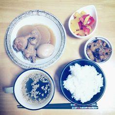 2012*11*7 手羽元と大根と玉子のうま煮。パプリカのゆず胡椒マリネ。レンコンのきんぴら。ワカメの中華スープ。