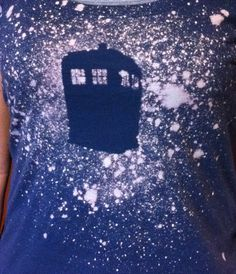 With Our Powers Combined: Designing with Bleach: Tardis Silhouette Recycled Gifts, Upcycled Crafts, Handmade Crafts, Recycled Products, Craft Projects For Adults, Crafts For Teens, Projects To Try, Recycling Projects, Nerd Crafts