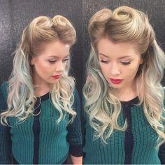 coiffure pin up avec coques bien dessinées et souples qui subliment les cheveux longs blond aux nuances pastel