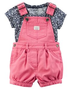 Crafted in bright denim, these shortalls are made to be played in! A sweet satin bow adorns the coordinating soft cotton tee.