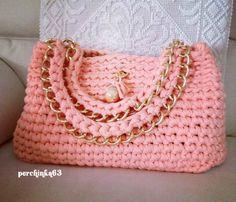 Изделия из ниток спагетти - Perchinka63 Crochet Handbags, Crochet Purses, Crochet Bags, Handmade Handbags, Handmade Bags, Crochet Stitches For Beginners, Crochet Market Bag, Crochet Keychain, Diy Purse