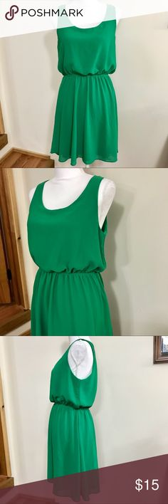 """ModCloth """"Canvas for Creation"""" Chiffon Dress Size large (fits more like a medium in my opinion). """"Canvas for Creation"""" dress by Cocolove. Gorgeous kelly green color 💚 Super cute midi dress fully lined with elastic waist. Very good condition. Modcloth Dresses Midi"""