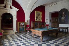Château de Brissac, Brissac-Quincé, Maine-et-Loire .Salle de billard
