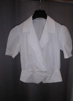 A vendre sur #vintedfrance ! http://www.vinted.fr/mode-femmes/blouses-and-chemises/19845044-chemisier-blanc-100-coton-manches-courtes