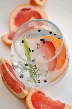 Gin & Tonic Cocktail Recipe with Fennel, Black Pepper, & Grapefruit. Delicious!