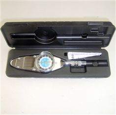 Precision instruments Torque Wrench This 1/4″ Torque Wrench features a combination dial and comes with a plastic case.