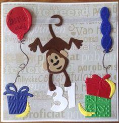 Verjaardagskaart met aapje, ballonnen en cadeautjes voor een jarige collega.