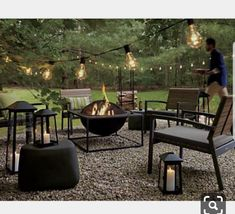 40 Best Inspiring Backyard Fire Pit Design ----------------------------------------- Yeaah, Backyard again! Which you guys waited some backyard ideas? This gonna be excited topics. Now the topic is Fire Pit. Backyard Seating, Large Backyard, Fire Pit Backyard, Backyard Landscaping, Outdoor Seating, Outdoor Fire Pits, Landscaping Design, Deck Design, Fire Pit Landscaping Ideas