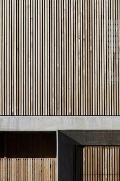 PORTFOLIO — James Garvan Architecture Newport House, Architectural Materials, Architecture Images, House Photography, Wood Slats, Types Of Wood, Trellis, Landscape Design, Building A House