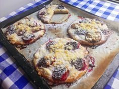 Vegetable Pizza, Camembert Cheese, Muffin, Treats, Vegetables, Cooking, Breakfast, Sweet, Food