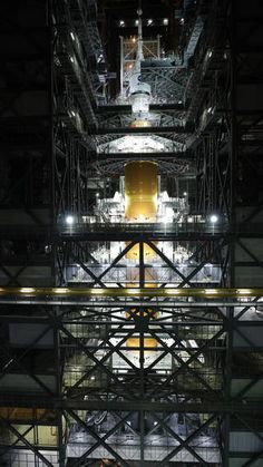 NASA Completes Mega-Moon Rocket Stacking, Invites Media to Learn More | NASA