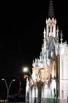 Iglesia en la noche