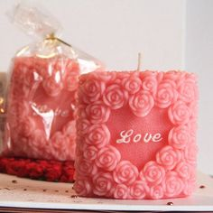 Valentine's Day Candles Crafts - 4 UR Break - Family Inspiration Magazine Romantic Candles, Diy Candles, Decorative Candles, I Love Diy, Love Shape, Candle Molds, Diy Wedding Decorations, Heart Patterns, Resin Crafts