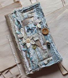 38 ideas vintage books repurposed art journals for 2019 Jean Crafts, Denim Crafts, Vintage Books, Vintage Paper Dolls, Vintage Art, Fabric Book Covers, Fabric Journals, Art Journals, Creative Textiles