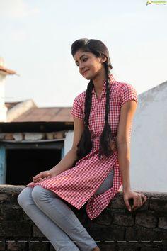 Telugu Actress Summiyya Mohammed (HD) Prema Janta Stills Lovely Girl Image, Beautiful Girl Photo, Cute Girl Photo, Beautiful Girl Indian, Beautiful Indian Actress, Simply Beautiful, Stylish Girls Photos, Stylish Girl Pic, Girl Photos