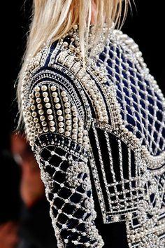 whore-for-couture: mulberry-cookies: Balmain. Couture Fashion, Diy Fashion, Runway Fashion, Ideias Fashion, Fashion Beauty, Womens Fashion, Fashion Design, Fashion Trends, Paris Fashion