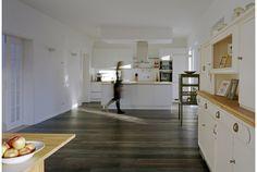 Flachdach im Fokus - VELUX   Einfamilienhaus in Nordrhein-Westfalen Kitchen Island, Home Decor, Flat Roof Skylights, Detached House, Architecture, Homemade Home Decor, Interior Design, Home Interiors, Decoration Home