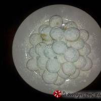 Μπισκοτένιες χιονόμπαλες Sweet Recipes, Decorative Plates, Breakfast, Food, Home Decor, Morning Coffee, Decoration Home, Room Decor, Essen