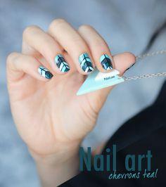 Nail art Chevron teal