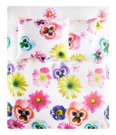 Bright pansy flower print duvet cover
