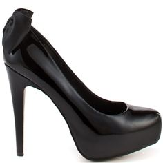 DV by Dolce Vita introduces a sweet spin to the classic sexy black pump with this new style.  Briar has a black patent upper with a 1 inch hidden platform and 4 1/2 inch heel.  Perfecting this stiletto is a black leather bow beautifully placed in the back.