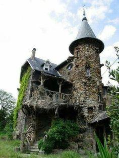 House of Sorcery, France