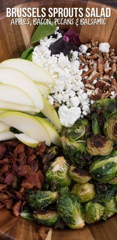 This easy Brussels sprout Salad is sure to be a huge hit! With apples pecans b This easy Brussels sprout Salad is sure to be a huge hit! With apples pecans bacon and a balsamic vinaigrette its one of our favorite fall salad recipes. Brussel Sprout Salad, Sprouts Salad, Brussels Sprouts, Summer Salad Recipes, Healthy Salad Recipes, Easy Summer Salads, Healthy Meals, Fresco, Clean Eating Snacks