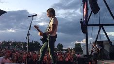 """Keith Urban covering """"One"""" in tribute to Orlando victims ripCORD World Tour Tampa, Florida June 2016 Keith Urban Concert, Country Videos, Urban Music, Prince Royce, Scotty Mccreery, Red Tour, Faith Hill, Education Humor, Miranda Lambert"""