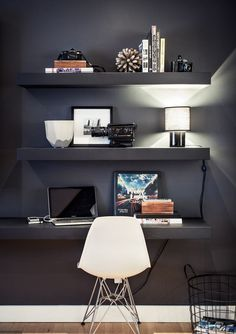 Unbelievable Tips: Ikea Floating Shelves House glass floating shelves pottery barn.Floating Shelves Under Tv Small Spaces floating shelves entryway interior design.How To Build Floating Shelves Design. Boy Bedroom Design, Room Design, Interior, Home, Small Room Design, Teenage Boy Room, Bedroom Design, Home Office Design, Interior Design