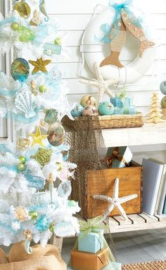 Beach Christmas Decorations & Ideas Inspired by Sea, Sand & Shells If you are like me, the beach is always on your mind, and it is definitely part of your holiday decor. So I put together a collection of favorite beach Christmas decorations and ideas Beach Christmas Trees, Coastal Christmas Decor, Nautical Christmas, Tropical Christmas, Beach Holiday, Coastal Decor, Christmas Holidays, Christmas Decorations, Christmas Ornaments