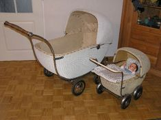 Prams And Pushchairs, Baby Buggy, Dolls Prams, Baby Prams, Baby Carriage, Antique Dolls, Carousel, Bassinet, Baby Strollers