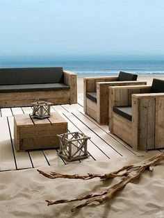 Tinker strange furniture from recycled wood pallets themselves With Euro pallets and with a little creativity, you can create an extremely rare inside. It is absolutely original, practical and ...