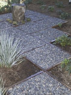 1000 images about garden ideas on pinterest pea gravel for Affordable walkway ideas