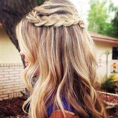 Love this hair style, it is so soft and has a bohemian carefree feel to it which I love