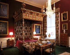 ALTHORP - THE PRINCESS OF WALES ROOM In 1863, the future King Edward VII and his wife, Alexandra, the Princess of Wales, visited the Red Earl (Fifth Earl Spencer), at Althorp. They slept in this room, hence its name. Most of the furniture surrounding the opulent bed is Georgian. The original pattern of the fabric on the four-poster was designed in 1911.