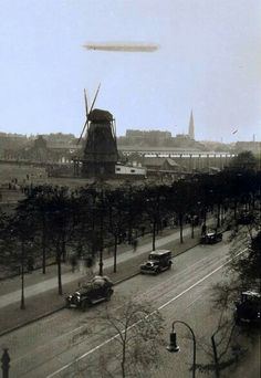 Hamburg Das Wunder Von Bern, Lower Saxony, Hamburg Germany, Old City, Zeppelin, Old Pictures, Geography, Statue Of Liberty, Postcards