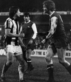 Willie Johnston squares up to Arsenal's Willie Young while Malcolm Macdonald looks on