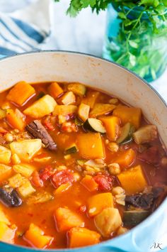 Moroccan Butternut Squash Stew Recipe - A flavorful, aromatic stew with Moroccan inspired spices. Packed with produce, this recipe is vegan and gluten free! Butternut Squash Chili, Vegan Gluten Free, Vegan Vegetarian, Vegetarian Recipes, Best Vegan Breakfast, Soups And Stews, Soup Recipes, Sweet Potato