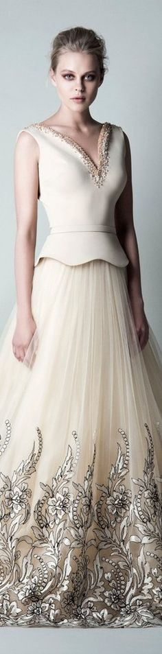 Saiid Kobeisy Fall Winter 2015/16 RTW -- This is one beautiful dress! Love the color and the fabric interplay!