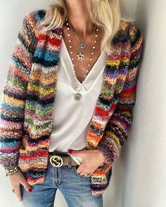Fashion Mode, Look Fashion, Fashion Outfits, Cardigan Multicolor, Striped Cardigan, Long Cardigan, Retro Sweatshirts, Cool Outfits, Casual Outfits