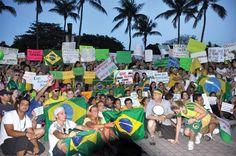 Brasileiros protestam contra Dilma em Miami, Orlando, Boston e NY