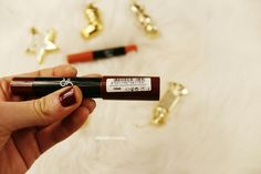 Golden-Rose-Smart-Lips-Moisturizing-Lipstick-Shade-19-Review