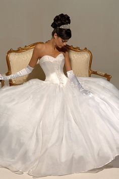 White and Gold Wedding. Sweetheart Corset Ballgown Dress. Google Image Result for http://www.800shop.net/images/Organza-Beaded-Sweetheart-Empire-Bodice-with-Pick-up-Ball-Gown-Hot-Sell-Wedding-Dress-WD-0026.jpg