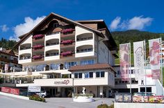 Hotel Alpen-Herz im Sommer Style At Home, Hotel Alpen, Das Hotel, Spa, Multi Story Building, Mansions, House Styles, Hotels, Home Decor