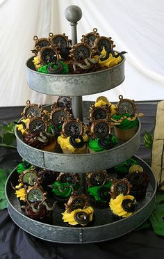 Indiana Jones cupcakes..