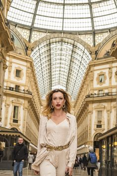 Milan Fashion Week - La Elegantia My Looks for the Events Milan Fashion Weeks, Fashion 2020, Fashion Fashion, Vintage Street Fashion, Fashion Wallpaper, Street Style, Street Chic, Travel Style, Spring Fashion