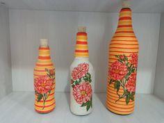 Super Creative Bottle Craft Ideas With Yarn Bottles And Jars, Glass Bottles, Mason Jars, Decoupage, Wine Bottle Crafts, Bottle Design, Yarn Crafts, One Color, Handicraft