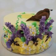 It is a cake covered in whipped cream with sugar flowers and sugar bird. Garden Cakes, Bird Cakes, Cake Cover, Sugar Flowers, Love Cake, Whipped Cream, Cake Decorating, Pudding, Birthday