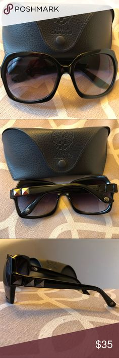MAKE OFFER Vince Camuto Sunglasses ☀️ Authentic Vince Camuto Sunnies☀️ missing 3 square studs on right arm. Comes with original box. Make me a reasonable offer and they're yours Accessories Sunglasses